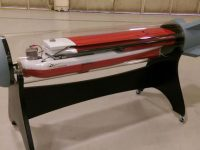 Northrop prueba drones que despliegan desde el interior de una bomba falsa