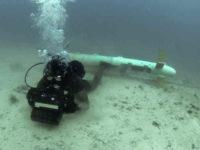 """La US Navy """"alejará al hombre del campo minado"""" durante la limpieza de explosivos submarinos"""