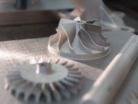 Fabricación aditiva de piezas de acero ultra-resistentes en 3-D a partir de polvo