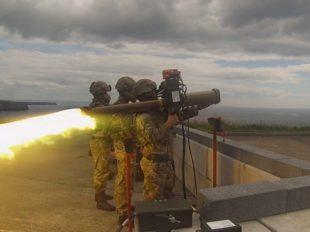 Los Royal Marines prueban el sistema de misiles multipropósito ligero LMM de Thales